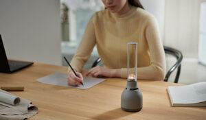 新型グラスサウンドスピーカー「LSPX-S3」発表!音楽に合わせて光がゆらぐランプ型ワイヤレススピーカー